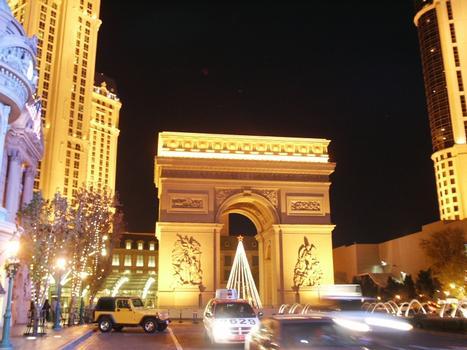 Paris Hotel - The Arc de Triomphe replica