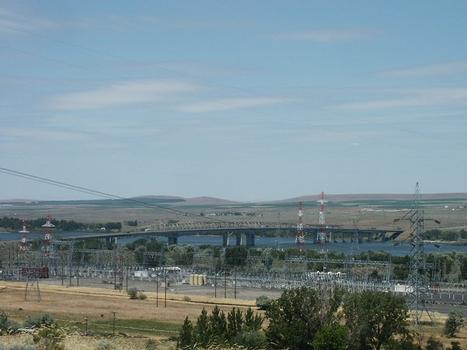 Interstate 82 Bridge (Columbia River)