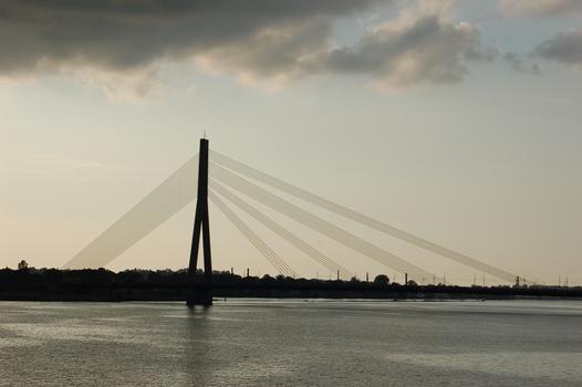 Pont à haubans à Riga