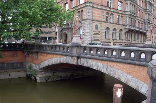 Trostbrücke, Hambourg
