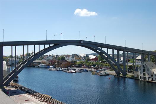 Risøy Bridge, Haugesund