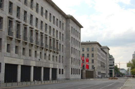 Immeuble Detlev-Rohwedder pendant un tournage de film