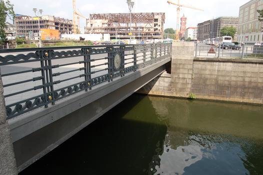 Schleusenbrücke, Berlin