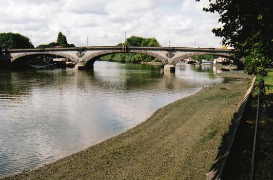 Themsebrücke Kew