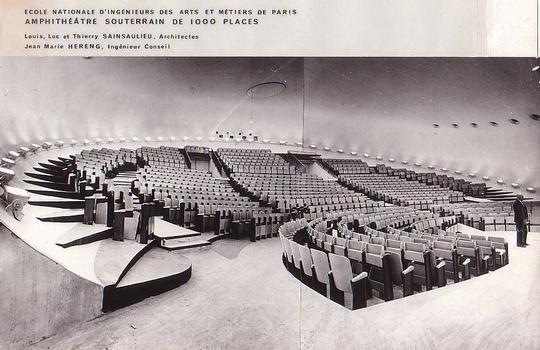 Unterirdisches Amphitheater der Ecole Nationale d'Ingénieurs des Arts et Métiers