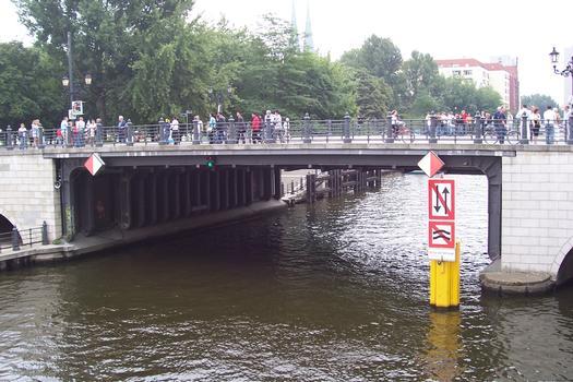 Liebknechtbrücke Berlin