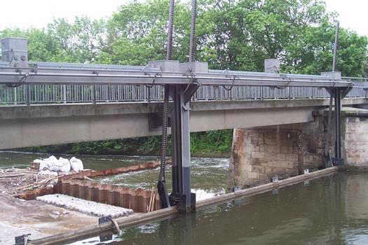 Pont-barrage de la Gera à Erfurt