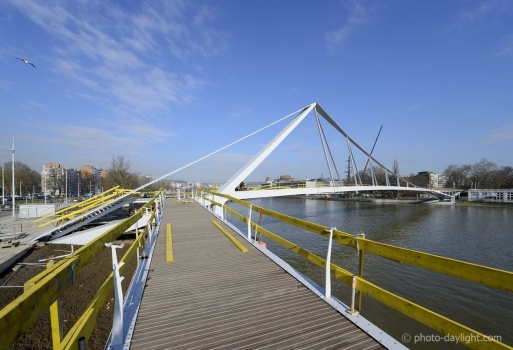 Guillemins Boverie Footbridge