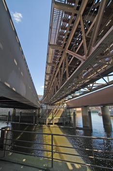 Binnenhafenbrücke, U-Bahn-Viadukt und Otto-Sill-Brücke