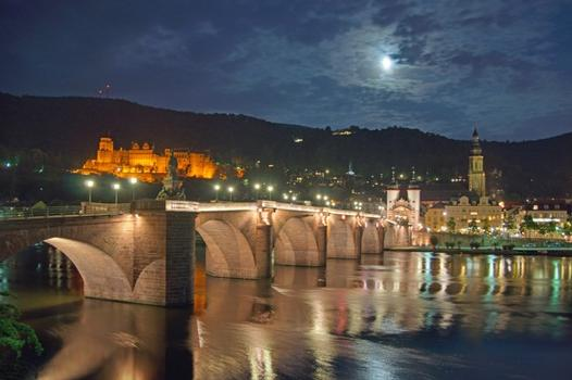 Karl Theodor Bridge at night
