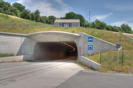 Das südliche Tunnelportal des Lohbergtunnels