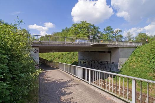 Pont de la Heinrichstrasse sur l'Odenwaldbahn à Darmstadt