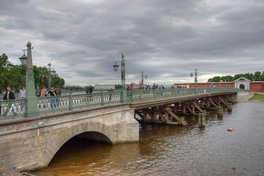 Ioannovsky Bridge