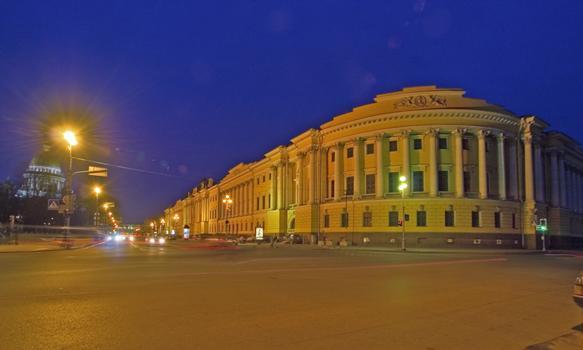 Sénat & Synode, Saint-Pétersbourg