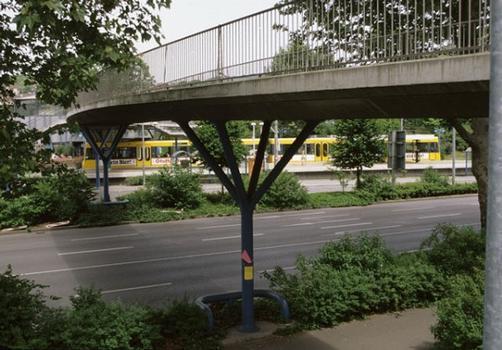 Fußgängerbrücke Carl-Benz-Platz