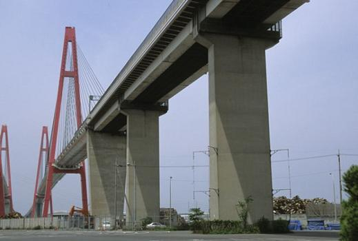 Pont Meiko Nishi