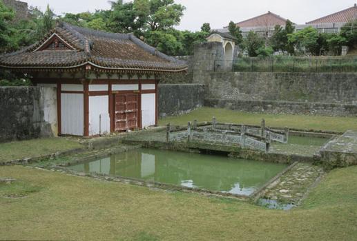 Hojyo-bashi