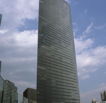 Dentsu-Turm