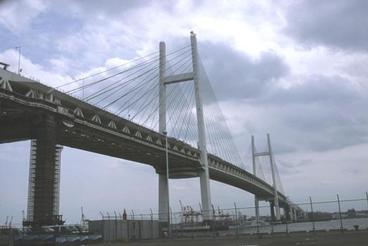 Brücke über die Bucht von Yokohama