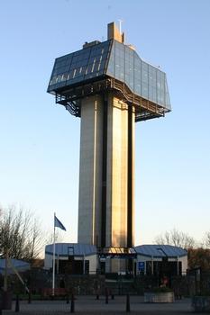 Tour d'observation sur le lac equipée d'un ascenseur