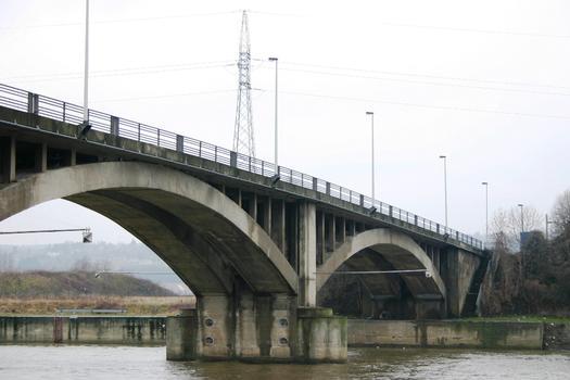 Maasbrücke Ombret
