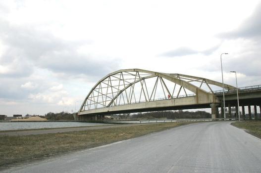 Pont de Genk sur le Canal Albert
