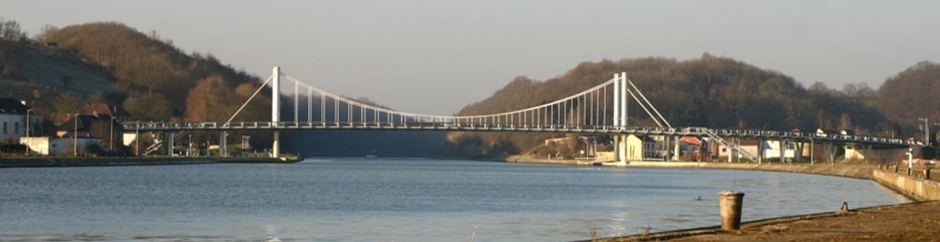 Pont vu d'en amont de la rive droite