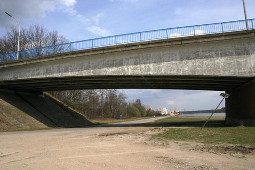 Pont de Zutendaal sur le Canal Albert