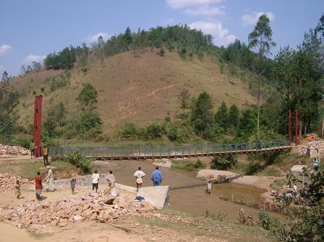 Fußgängerbrücke Nyagisenyi in Ruanda