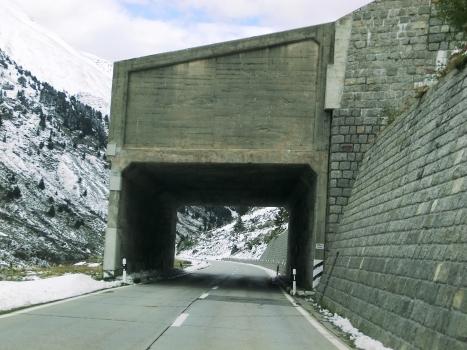 Curvet Tunnel southern portal