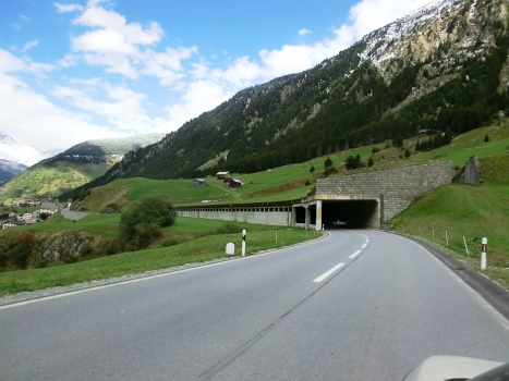 Val da Tgauras-Val Perver Tunnel southern portal