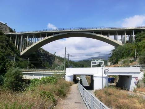 Arrestra railroad Bridge and, above, Arrestra A10 Viaduct