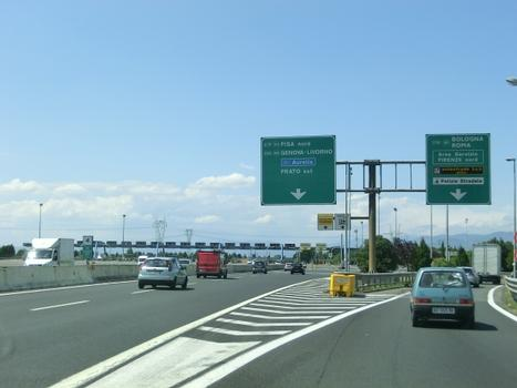 A 11 Motorway (Italy), Firenze toll barrier