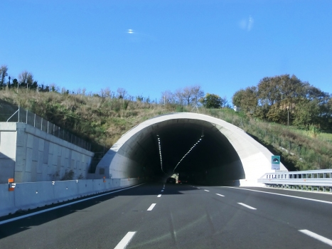 Three lanes widened Montedomini Tunnel southern portal
