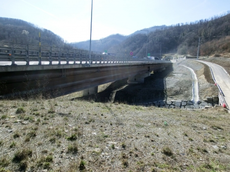 Setta 1 Viaduct and, on the backyard, Poggio Civitella Tunnel northern portal