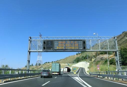 Pilone-Tunnel