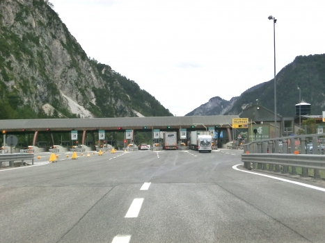 A 23 Motorway (Italy): Ugovizza toll barrier