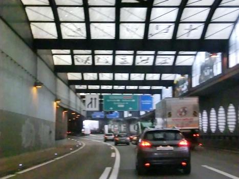 Breite Tunnel