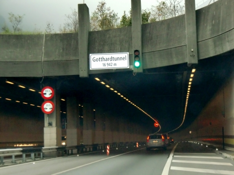 Tunnel routier du Saint-Gothard