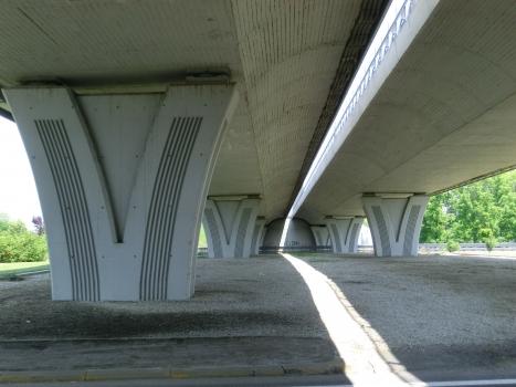Autobahnbrücke Alba Est