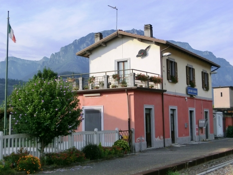 Artogne-Gianico Station