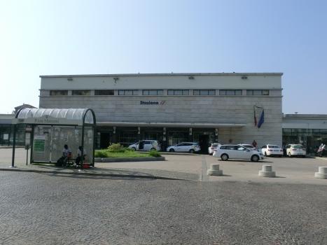 Bahnhof Asti