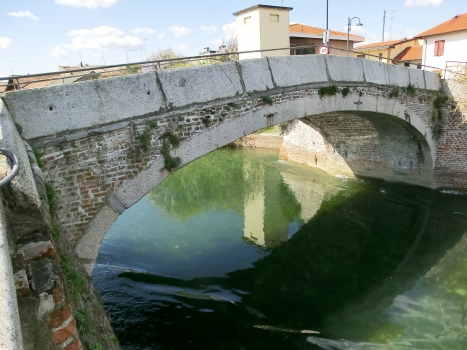 Naviglio Grande-Brücke Bernate