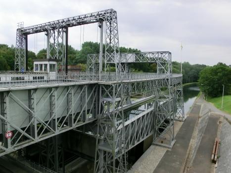 Canal du Centre - Ascenseur de bateaux No. 1