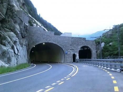 Urnerloch northern portals