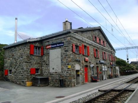 Ospizio Bernina Station
