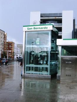 Metrobahnhof San Bernardo