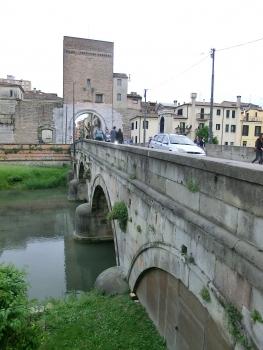 Molino city gate and bridge