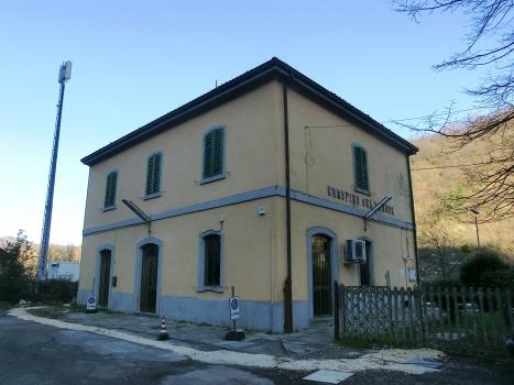 Crespino del Lamone Station