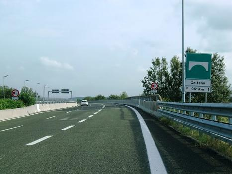 Coltano Viaduct, italy longest: road sign